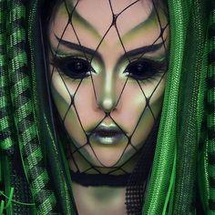 Halloween Kostüm Alien Jetzt ansehen!