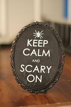 Mod podge template onto a dollar tree mirror. Good for a mantel Samhain Halloween, Holidays Halloween, Halloween Crafts, Halloween Decorations, Halloween Ideas, Dollar Tree Store, Dollar Tree Crafts, Dollar Stores, Diy Craft Projects
