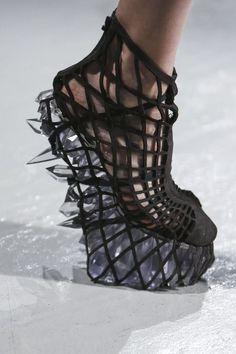 Alexander Mcqueen The Man Behind Lady Gaga Fenomenal Shoes