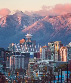 Early snowfall on Vancouver's North Shore Mountains. Photo: Erik Andersen via In… – Best Travel Destinations Vancouver Travel, Vancouver City, North Vancouver, Vancouver Island, Vancouver Skyline, Vacation Ideas, Vacation Trips, Vacation Travel, British Columbia