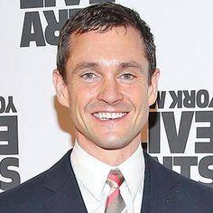 Fifty Shades Darker casts Hugh Dancy as Christian Grey's shrink http://shot.ht/22gyjQM @EW