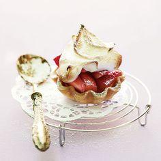 Baiser-Erdbeer-Törtchen