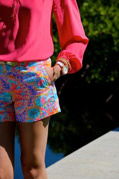 Love this bright shorts with a bright colored top...wish the shorts were a Bermuda-like (in length)