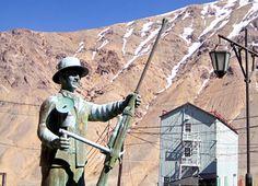 Tours, Adventure Trips, Chile, SEWELL, UNESCO WORLD HERITAGE Spondylus.  Monumento al minero, presente en el Campamento minero de Sewell. Aquí habitaron los trabajadores que laboraban en la mina El Teniente, junto a sus familias, en la Cordillera de Los Andes, en las cercanías de Rancagua.