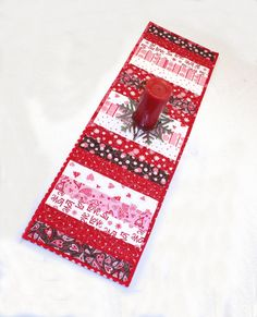 Valentines Day Table Runner Quilt in by QuiltSewPieceful on Etsy