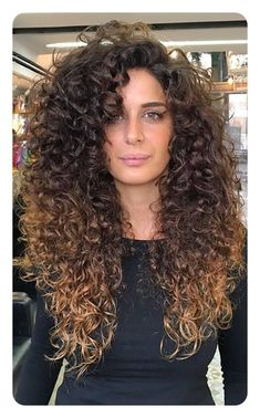 Perm Hair Styles That Are A Modern Day Inspiration – Styles Art Perm Frisuren, die eine moderne Inspiration sind – Styles Art Long Curly Hair, Big Hair, Wavy Hair, Curly Hair Styles, Natural Hair Styles, Perm Hair, Hair Perms, Protective Hairstyles, Hairstyles Haircuts