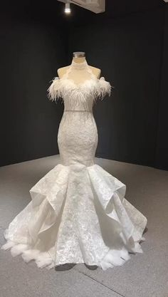 Luxury Wedding Dress, Lace Mermaid Wedding Dress, Mermaid Dresses, Wedding Gowns, Lace Wedding, Sweet 15 Dresses, Pretty Dresses, Cold Shoulder Wedding Dress, Formal Dresses For Weddings