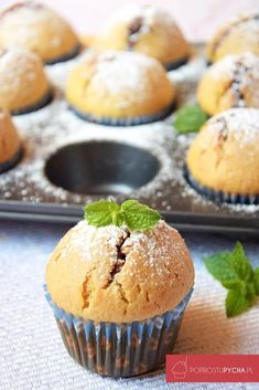 muffiny zdżemem truskawkowym Baby Food Recipes, Cooking Recipes, Delicious Desserts, Yummy Food, Sweet Little Things, Polish Recipes, Healthy Sweets, Diy Food, Food Ideas