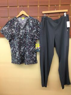 aaaf79d8958 NEW Gray Print Scrubs Set With Wink XL Top & Vera Bradley XL Pants NWT  #fashion #clothing #shoes #accessories #uniformsworkclothing #scrubs (ebay  link)