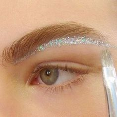 Fashion Week AW16 : The 20 Hottest Makeup Looks - The Makeup Blog For Makeup Artists | Mascara Wars