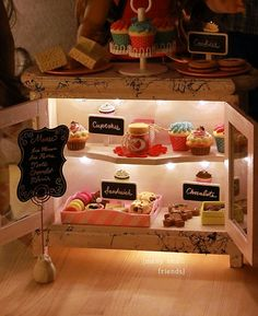American Girl doll craft - make a Lighted Bakery Case for 18 inch dolls.  Easy to make from supplies found at Hobby Lobby or other craft store.