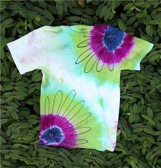 Daisies tie-dye shirt
