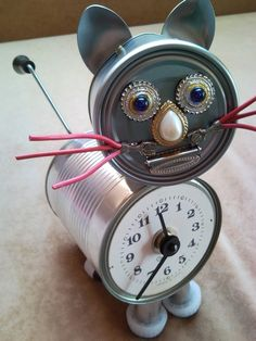 recycled-tin-can-cat-kitten-desk-table-clock-with-crank-arm-tail