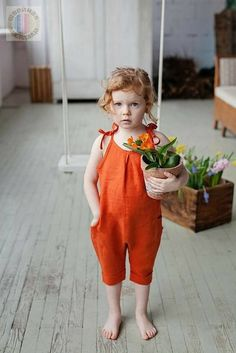 Summer girls outfit – orange linen jumpsuit – vintage jumpsuit – girl clothes – kids romper – baby shower gift idea – summer overall – Kleidung Rompers For Kids, Jumpsuits For Girls, Girls Rompers, Baby Girl Romper, Baby Girl Dresses, Baby Dress, Baby Jumpsuit, Outfits Niños, Kids Outfits