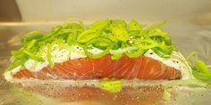 Super gode laksepakker i ovn, som er ultra nemme at lave. Danish Food, Fish And Seafood, Tuna, Food Inspiration, Sushi, Salmon, Food And Drink, Yummy Food, Favorite Recipes