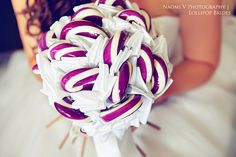 Wow - lollipop bouquet from lollipop brides, what an amazing alternative to a traditional bouquet