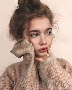 Image about girl in art & ideas by Isadore on We Heart It hair poses Photography Poses Women, Tumblr Photography, Portrait Photography, Foto Instagram, Instagram Girls, Aesthetic Photo, Aesthetic Girl, Girl Pictures, Girl Photos