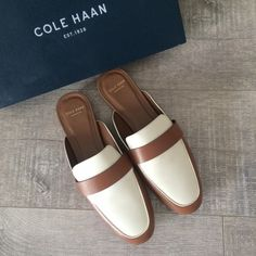 New COLE HAAN flats New COOL HAAN flats. Size 7,5 B Cole Haan Shoes