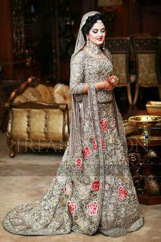 Pakistani Wedding Dresses, Wedding Party Dresses, Wedding Hijab, Royal Dresses, Nice Dresses, Muslim Women Fashion, Indian Fashion, Walima Dress, Bridal Photoshoot