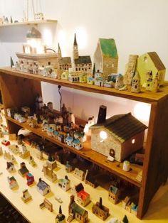 北原裕子 陶芸作品展「わたしの街」に搬入してきました。 雀のお宿とモスクに電球を入れてみました 中世の城塞都市はこのようになりまし...