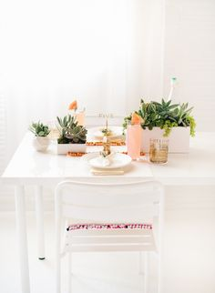 DIY // Pom pom placemats and tabletop