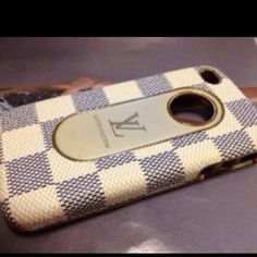 My new Louis Vuitton iPhone case! Girls Accessories, Phone Accessories, Style Wish, My Style, Iphone 6, Iphone Cases, Note 3 Case, Cell Phone Covers, New Phones