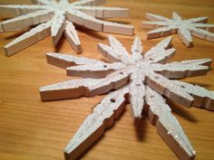 Great tutorial to make snowflake ornaments from clothes pins Beth Watson Design Studio: Wooden Clothespin Snowflake Tutorial for STICKY U! How To Make Snowflakes, Wooden Snowflakes, Snowflake Ornaments, Diy Christmas Ornaments, Handmade Christmas, Christmas Decorations, Christmas Ideas, Holiday Ideas, Christmas Time