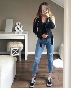 Casual outfit for April - ChicLadies. Casual Outfits For Teens, Teenage Outfits, Basic Outfits, Edgy Outfits, Cute Summer Outfits, Winter Fashion Outfits, Look Fashion, Fall Outfits, Uni Outfits