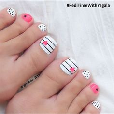 46 Cute Toe Nail Art Designs - Adorable Toenail Designs for Beginners-- Whether you're heading off on holiday, or simply wearing a pair of sandals or open-toed heels for a special occasion, it's vitally important that you ensure eve Cute Toe Nails, Toe Nail Art, Diy Nails, Pretty Nails, Acrylic Nails, Toe Nail Polish, Gel Toe Nails, Painted Toe Nails, Toe Nail Designs