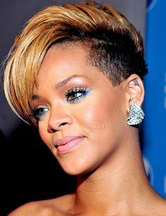 Le liner coloré façon Rihanna Retrouvez 3 faons de le porter le trait de liner.