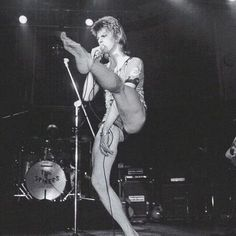 David Bowie on the Ziggy Stardust tour ❤️ #bowie #BowieForever #pop #DavidBowieForever #starman #tuesday #motivation #rock #glamrock #70s #80s #90s #bringbowieback #greatpeople #ineedbowie #LegendsOnly #picture #pictureoftheday #goodtimes #fashion #music #gentleman #forever #thebest #concert #wonderful #beautifulbowie #デヴィッドボウイ #дэвидбоуи