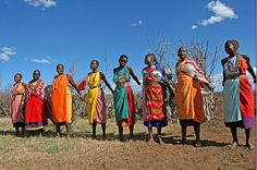 Imagen de http://4.bp.blogspot.com/-KBiKTb8lkHs/TcAOBv4GrrI/AAAAAAAAAUk/yOOBIZhaBzM/s1600/masai-dance-african-tribe-afimg_9380-out.jpg.