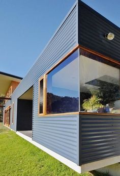 53 trendy home renovation before and after australia garden photos House Cladding, Metal Cladding, Exterior Cladding, Tin House, Shed Homes, Beautiful Homes, Beautiful Beautiful, House Beautiful, Prefab