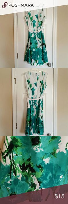 New Listing! Preston & York floral dress Beautiful white dress with teal and green floral print. In excellent condition! Comes with white belt, but I am not sure if it was the original belt that came with the dress. Would look great with a black, teal, or white belt. Preston & York Dresses