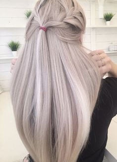 Fashionable hair color 2019 for long hair: basic trends-Modische Haarfarbe 2019 für langes Haar: Grundlegende Trends und Trends auf dem Foto – Kurz Haar Frisuren Fashionable hair color 2019 for long hair: basic trends and trends in the photo color - Blonde Hair Shades, Platinum Blonde Hair, Blonde Ombre, Pastel Blonde, Blonde Hair Fall 2018, Ash Blonde Balayage Silver, Pink Blonde Hair, Blonde Hair Care, Beautiful Blonde Hair