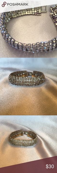 Rhinestone Bracelet Great piece! 7 1/4 inches long. Very light and very pretty.🎀🎀 Boutique Jewelry Bracelets