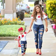 New baby cute girl photo shoots mother daughters 37 Ideas - Mother Daughter Combination, Mother Daughter Fashion, Mother Daughter Matching Outfits, Mommy And Me Outfits, Mom Daughter, Kids Outfits, Cute Outfits, Mother Daughters, Girl Photo Shoots, Girl Photos