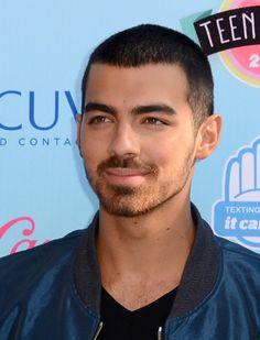 Demi Lovato and Joe Jonas: Teen Choice Awards High Five Moment