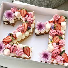 Les gâteaux de Adi Klinghofer en Israël.   -- #HappyBirthday #Cakes #Birthday