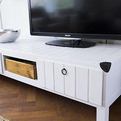 die besten 25 fernsehtisch ikea lack ideen auf pinterest. Black Bedroom Furniture Sets. Home Design Ideas
