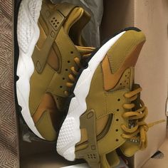 separation shoes efa12 bcb2b Nike Shoes   Gold Huaraches   Color  Gold   Size  6. Find this Pin and more  ...