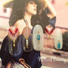 ネイル 画像 Natural Beauty 赤坂 1605297 ピンク 白 赤 エスニック ピーコック 夏 海 リゾート ソフトジェル ハンド ミディアム