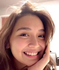 Cute Girl Poses, Cute Girls, Kathryn Bernardo Photoshoot, Western Girl, Filipina Actress, Cant Help Falling In Love, Dark Wallpaper Iphone, Tgirls, Asian Beauty