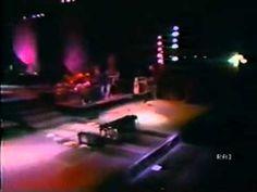 Lucio Dalla e Pino Daniele - Caruso (Napoli Stadio Collana 1987) - YouTube