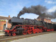 Br52 ex Deutsche Reichsbahn du Chemin de Fer à Vapeur des 3 Vallées en gare de Treignes. Belgium  http://insiteout.brinkster.net/0000064cfv3v/index.asp