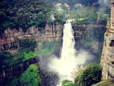 Taquendama Waterfall in Bogota Colombia :) Another place I would LOVE to visit! Wonderful Places, Great Places, Beautiful Places, The Beautiful Country, Beautiful World, The Places Youll Go, Places To See, Valley Of Flowers, Best Pictures Ever