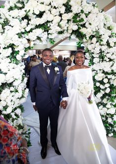 Ayowande and Niyi had far too many beautiful moments. Their white wedding was completely divine and classy Wedding Bridesmaid Dresses, Bridal Dresses, Wedding Gowns, Wedding Updo, Wedding Prep, Wedding Bells, Wedding Stuff, Dream Wedding, Indian Wedding Hairstyles