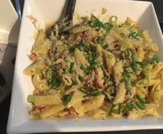 Recipe Creamy Chicken Pesto Pasta by Amy Paskins - Recipe of category Pasta & rice dishes