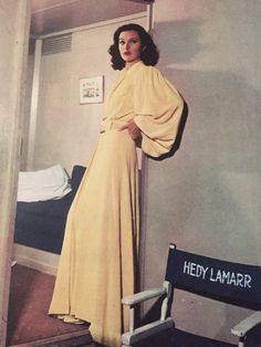 Vintage Fashion Hedy Lamarr: The Hollywood Beauty With Brilliant Mind ~ vintage everyday Hollywood Fashion, Vintage Hollywood, Old Hollywood Stars, Old Hollywood Glamour, Golden Age Of Hollywood, 1940s Fashion Women, Older Women Fashion, Vintage Fashion, Vintage Glamour