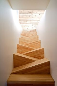 Modern Staircase Design Ideas - Modern stairs can be found in lots of styles and designs that can be actual eye-catcher in the different location. We have actually assembled best 10 modern versions of staircases that can give. Wooden Staircases, Stairways, Interior Stairs, Interior Architecture, Staircase Architecture, Unique Architecture, Escalier Design, Beautiful Stairs, Futuristic Interior